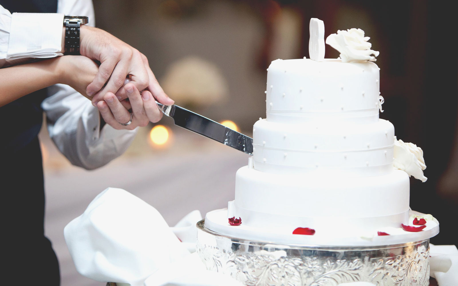 slider-1600x1000-wedding-cake-2